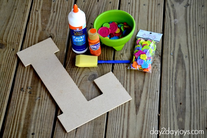 Letter decorating for an easy craft